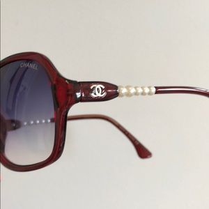 Chanel sunglasses with pearls on the side